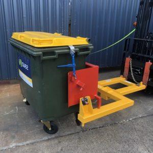 Forklift wheelie bin tipper BB